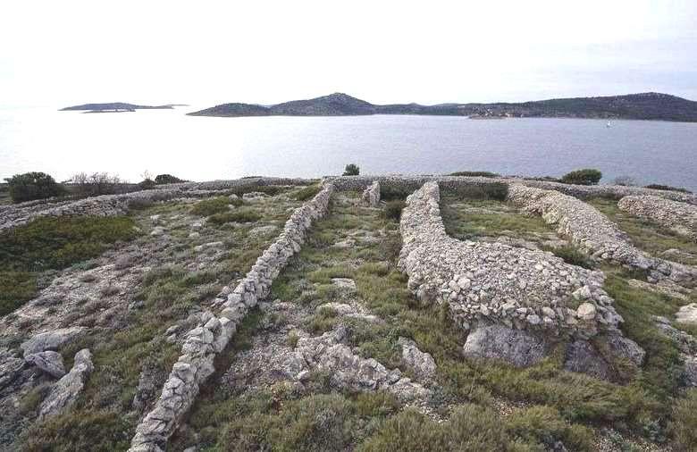 Ballenac - Thumbprint Island 12