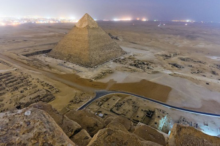 They will scan the Great Pyramid of Giza with cosmic rays to identify a mysterious hidden chamber 88