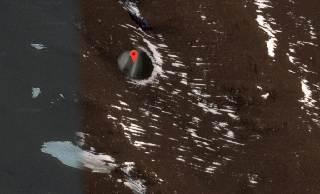 Alien bases or sleeping cryochambers. What has been discovered under the Antarctica ice? 13