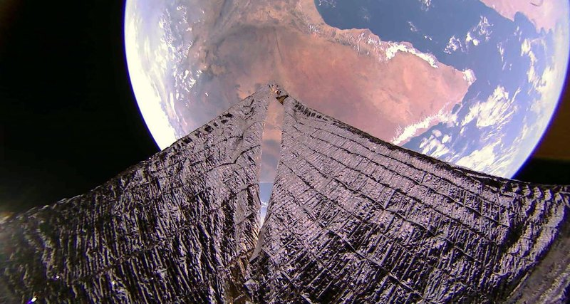 Space sailing ship sent amazing pictures of the Earth 86