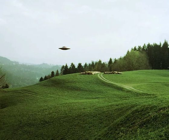 Where are the Aliens? Does extraterrestrial intelligent life show us their location? 87