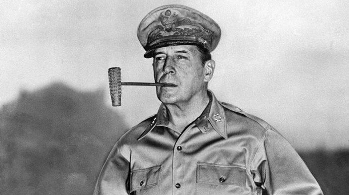 General Douglas MacArthur's interplanetary war 1
