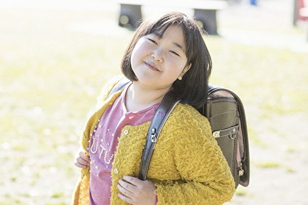 A schoolgirl from Japan communicates with Angels since childhood 5