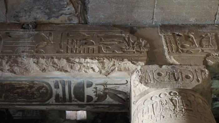Helicopter, tank, submarine: what is actually depicted on the walls of the temple in Abydos 92