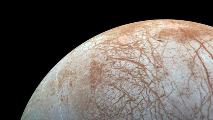 Aliens at Jupiter: under the icy shell of Europe it is possible to meet higher forms of life 87