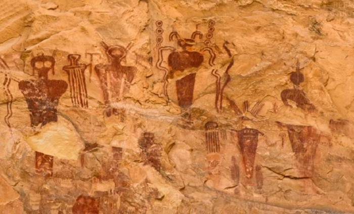 Mysterious frescoes depicting fantastic creatures found in Sahara 87