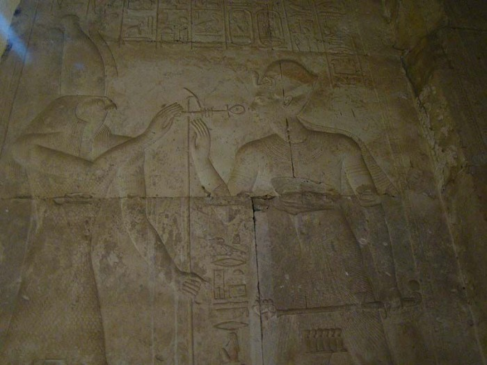Helicopter, tank, submarine: what is actually depicted on the walls of the temple in Abydos 95