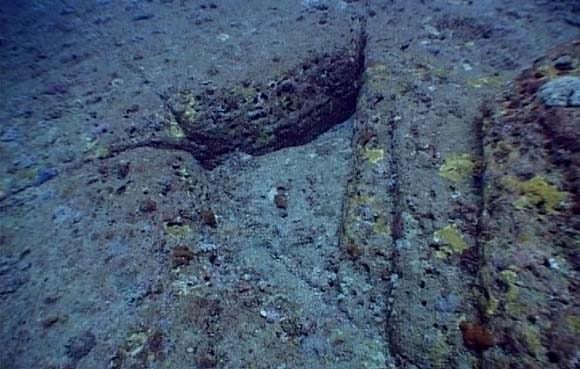 Yonaguni's underwater ruins - the remains of Lemuria? 140