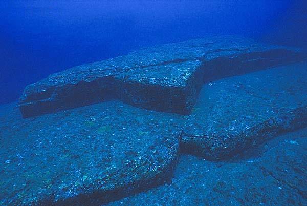 Yonaguni's underwater ruins - the remains of Lemuria? 137