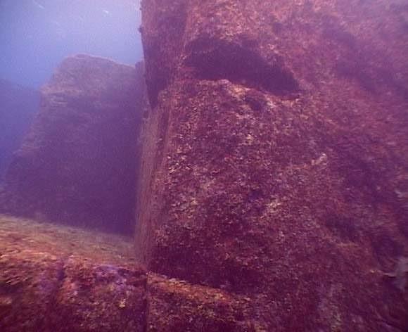 Yonaguni's underwater ruins - the remains of Lemuria? 154