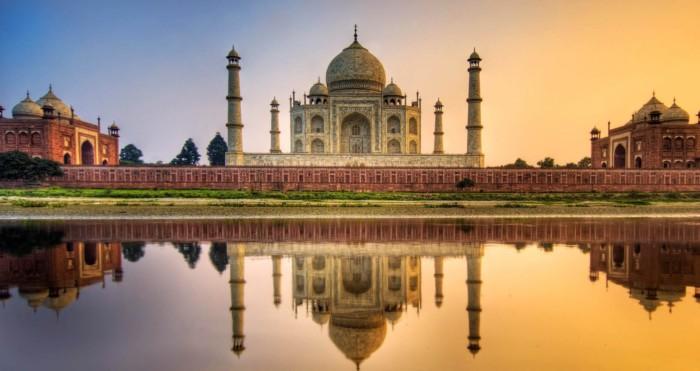 Taj Mahal - An Amazing Love Story 18