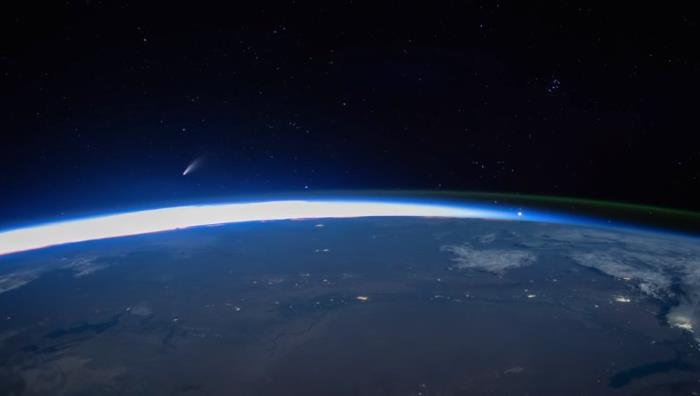 Comet NEOWISE from Earth's orbit: a mesmerizing video from ISS 1
