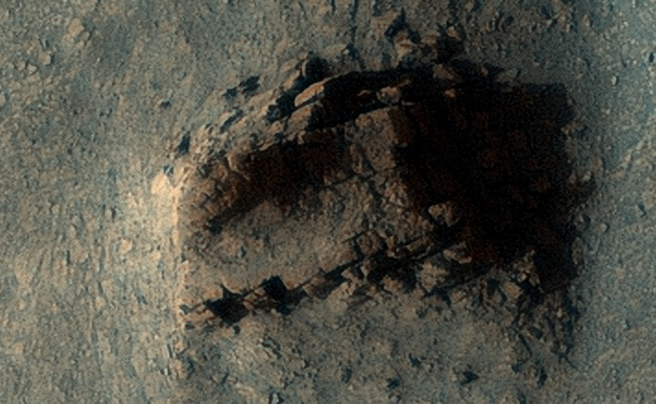 Ancient wall of megalith ruins found on Mars 87