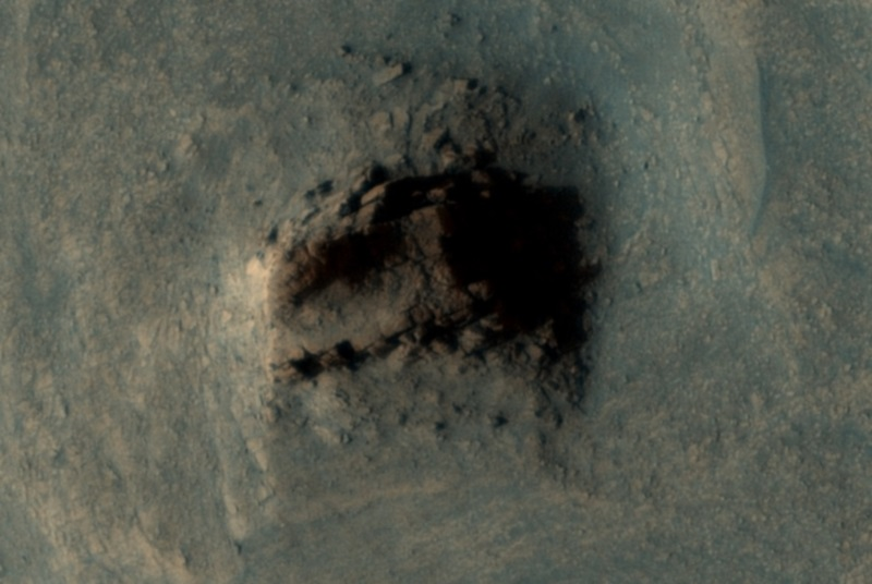 Ancient wall of megalith ruins found on Mars 88