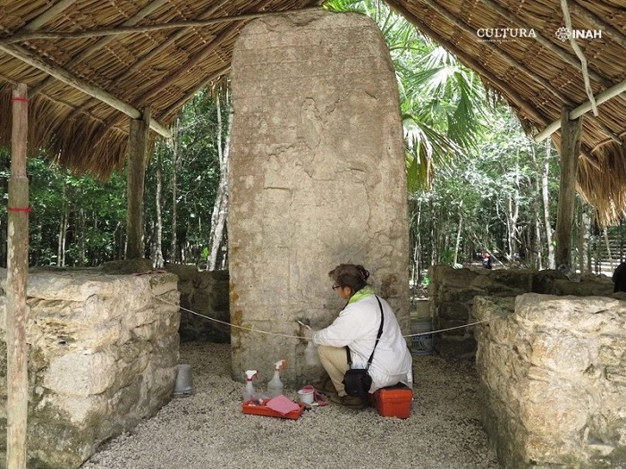 What secrets of the Mayan queen was opened by a new decoding of ancient records