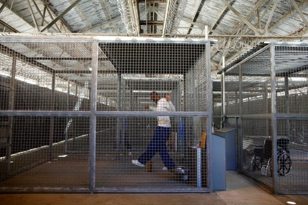 Cages for quarantined persons brought to California? 11