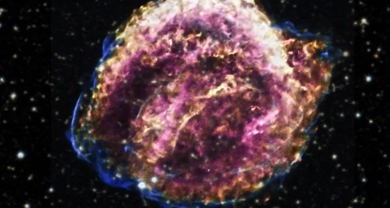 A cosmic explosion that does not stop for 400 years 86