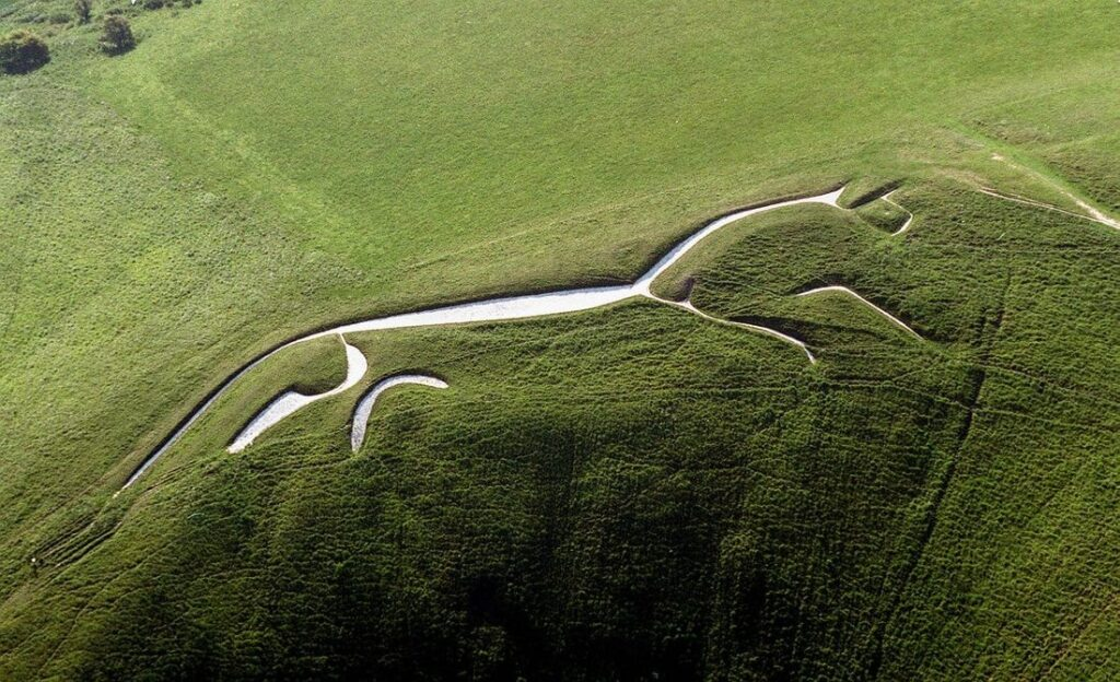 'Alien' message creativity. What the crop circles really hide 10