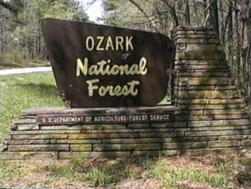 Bigfoots attacked tourists in the Ozark National Park, Arkansas 104