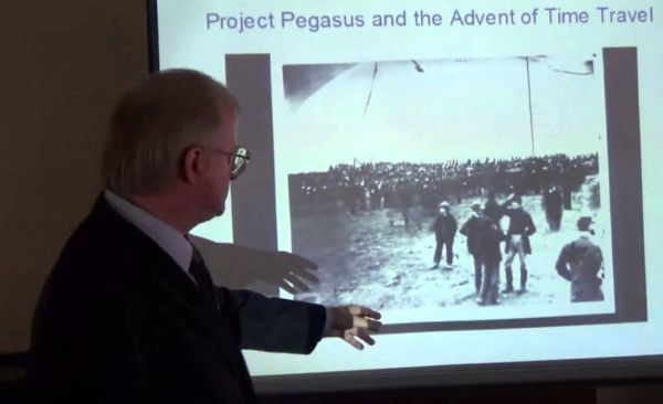 Pegasus Project: The lawyer who claims to have visited the past and even got into the picture of the 19th century 11