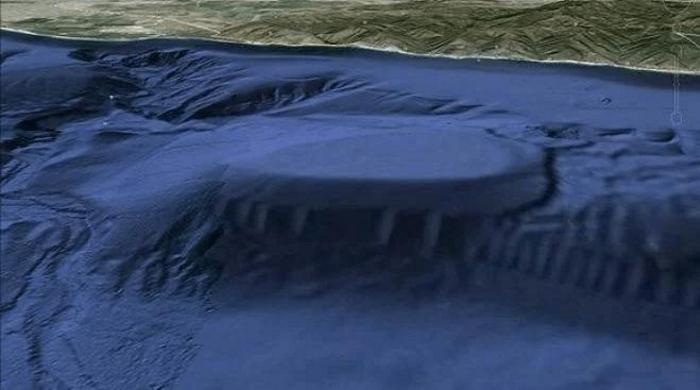 "UFO underwater ""base"" found off the coast of Malibu 16"