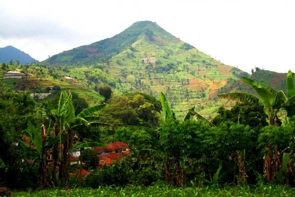 Gunung Padang - who built the oldest structure on Earth 10
