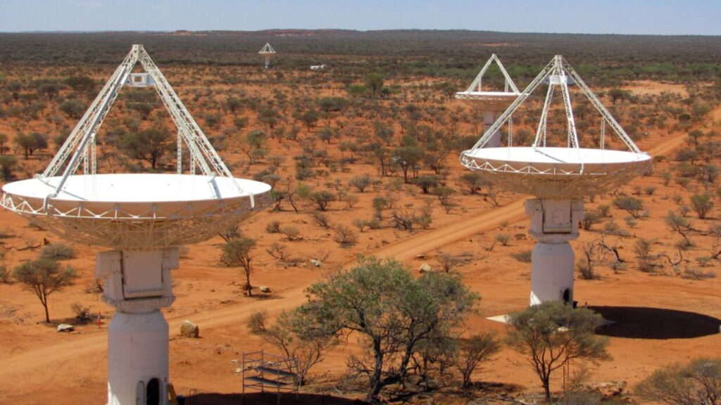 Australian astronomers were scanning alien FM radio broadcasts for 17 hours 2