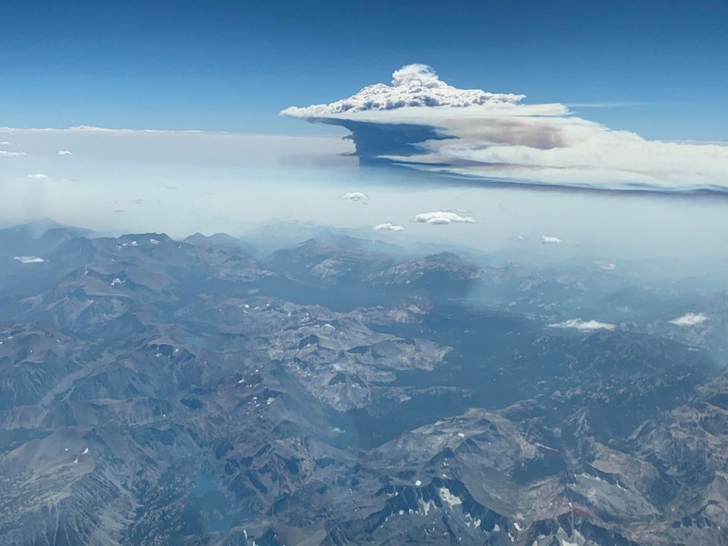"California wildfires create giant ""volcanic"" clouds 91"