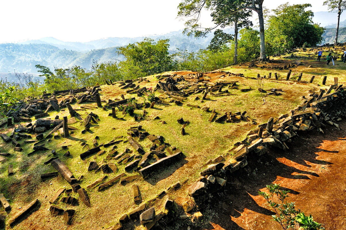 Arrangement of the Gunung Padang terraces is similar to Machu Picchu in Peru