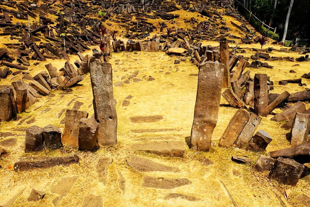 The territory of Gunung Padang is covered with massive rectangular rocks of volcanic origin