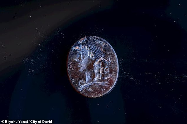 A seal with the image of the god Apollo was found in the Jerusalem wall 2