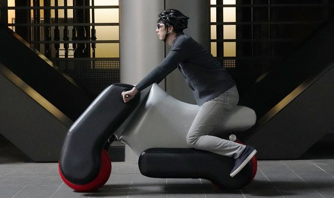 Japan has developed an inflatable scooter that weighs practically nothing 15