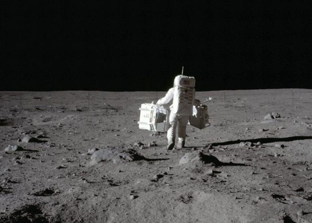 NASA has banned fighting and littering on the moon 47