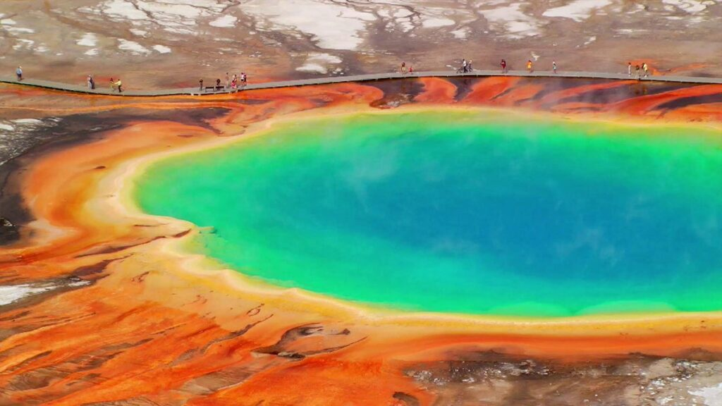 "Volcanologists discover ""domed magma uplift"" in the Yellowstone caldera 86"