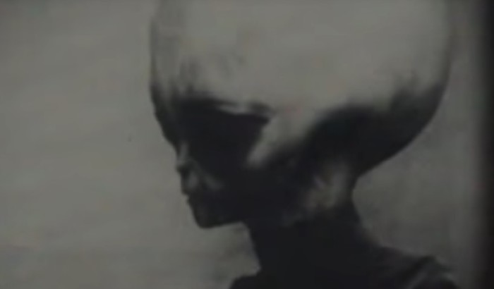 "Memorabilia: Leaked Video of the ""gray"" alien survivor of the Roswell UFO crash 86"