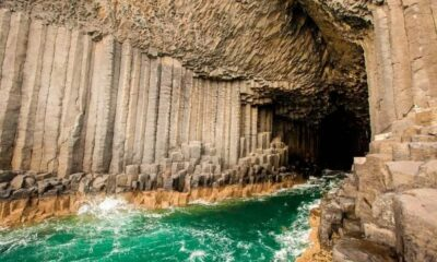 "Staffa - ""Island of columns"", which according to the legends of the Vikings was built by giants 13"