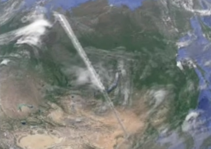 """""""Google Earth"""" user discovered a strange object about 3000 miles long 4"""