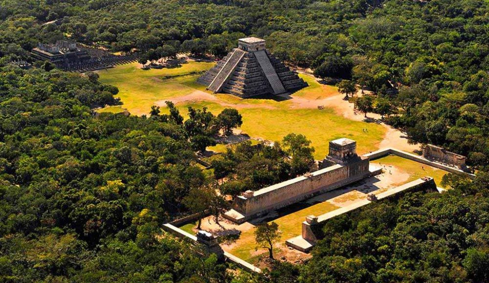 What will never be shown to ordinary tourists on the ruins of ancient Mayan cities 1