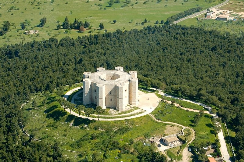 Which castle in Europe is considered the most mystical: you will be surprised 94