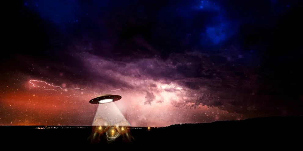 Trump-signed bill obliges US federal services to publish UFO contact data 96