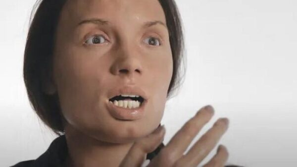 Cleo, the creepy automata: humanoid robot singer looks like a nightmare 8