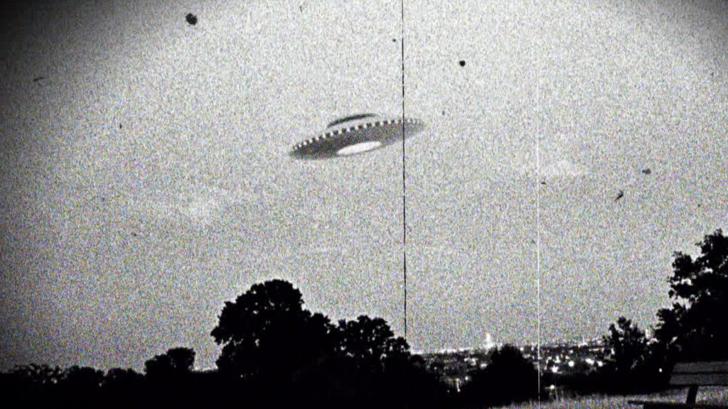 Former US intelligence chief says UFOs exist and they could be the property of the Russian Federation and China 1