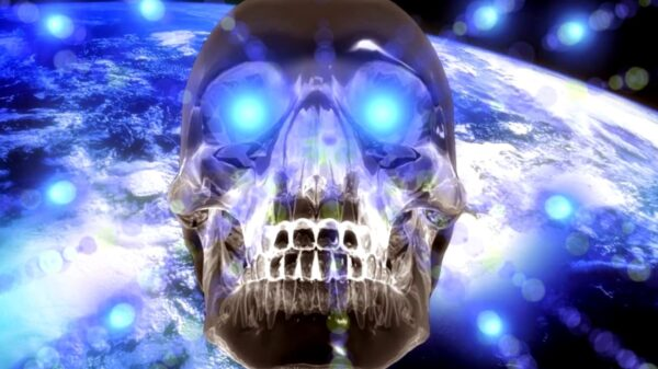Ufologist said that the found crystal skull refers to aliens 17