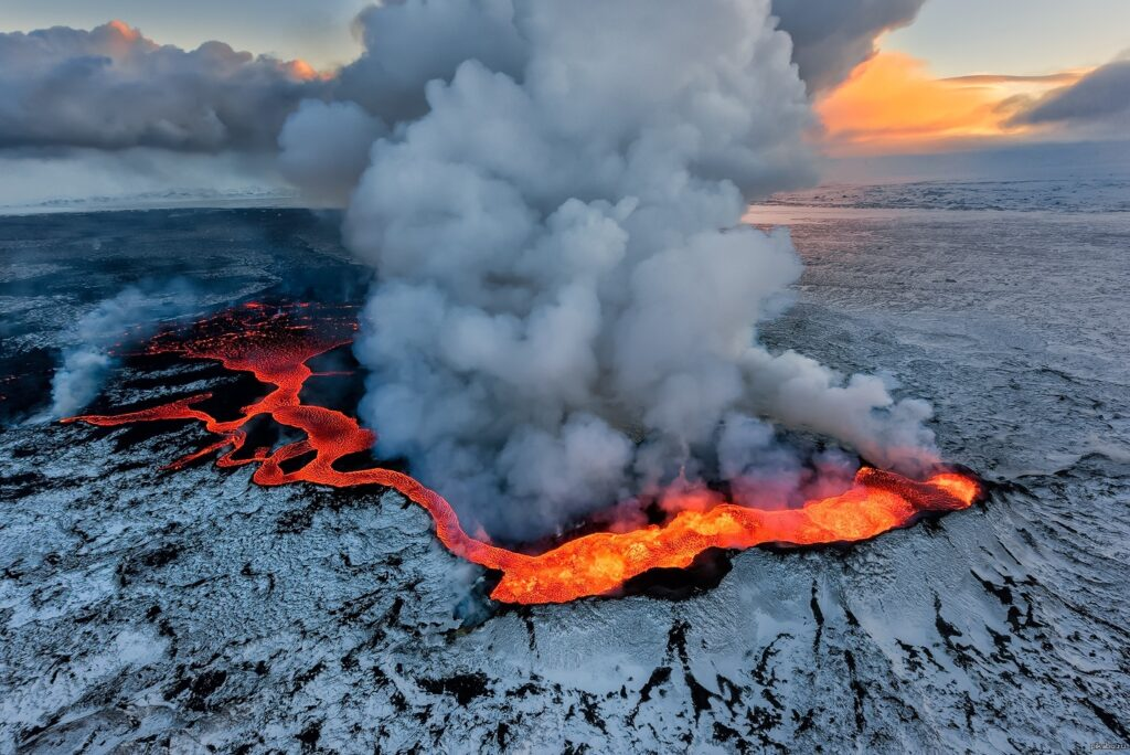 Pending disaster - An eruption in Icelandic volcanoes could mark the beginning of a volcanic period that will last for several centuries 1