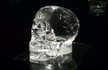 Ufologist said that the found crystal skull refers to aliens 2
