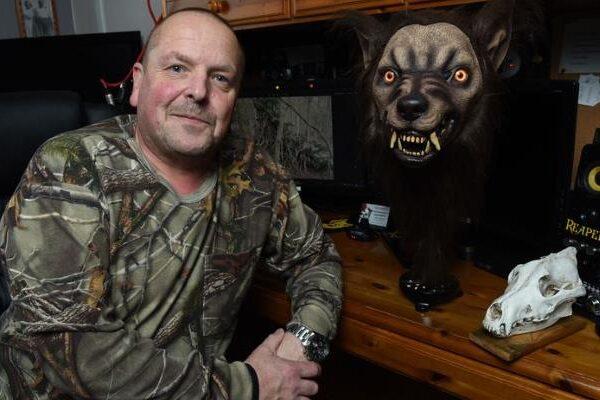 """""""A wolf the size of a car"""": a 30-year-old hunt for a werewolf still goes on 17"""