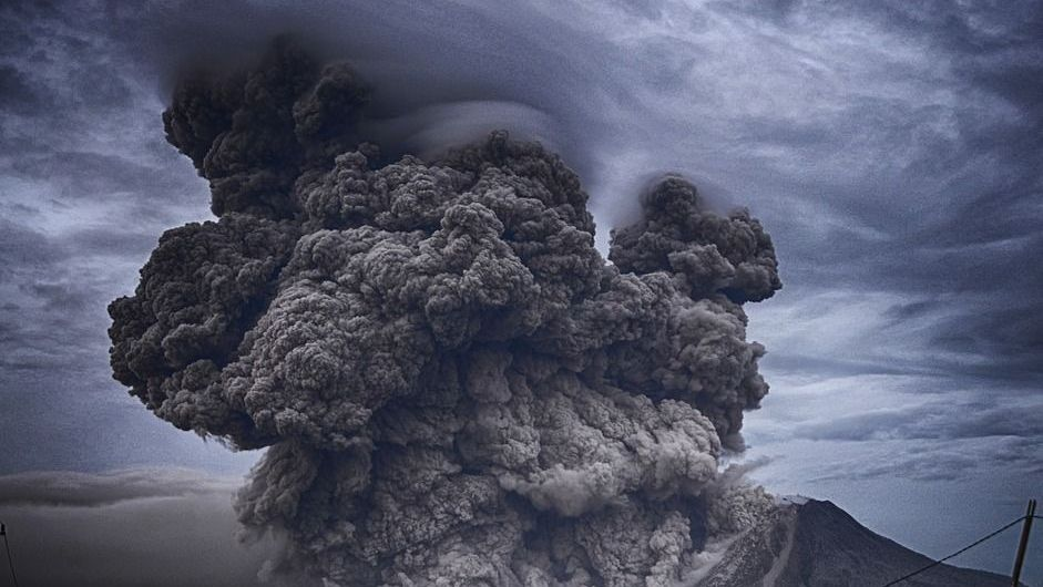 The La Soufriere volcano in the Caribbean Erupted: Omen for the days of darkness? 1