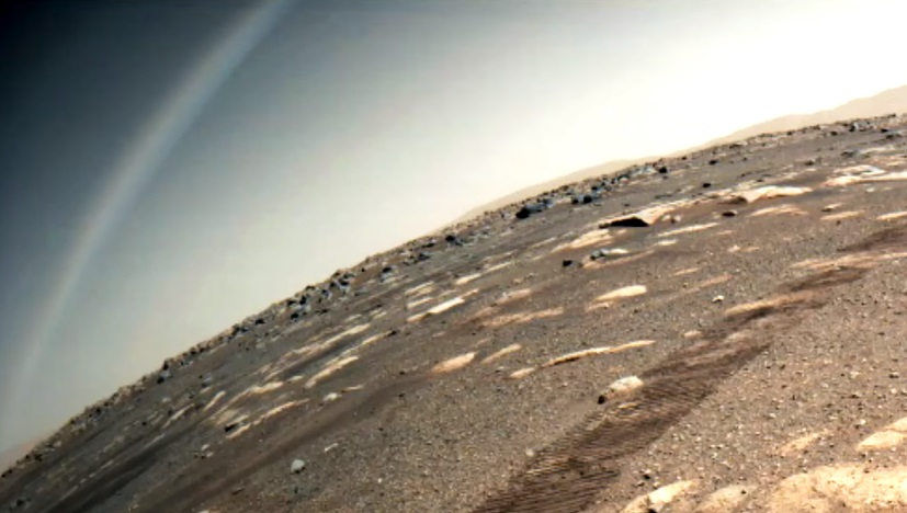 """Perseverance Rover captures a """"rainbow"""" on Mars 2"""