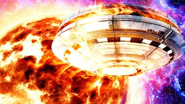 Intergalactic portal: after a cruciform explosion, a Moon-sized UFO flew out of the Sun 9