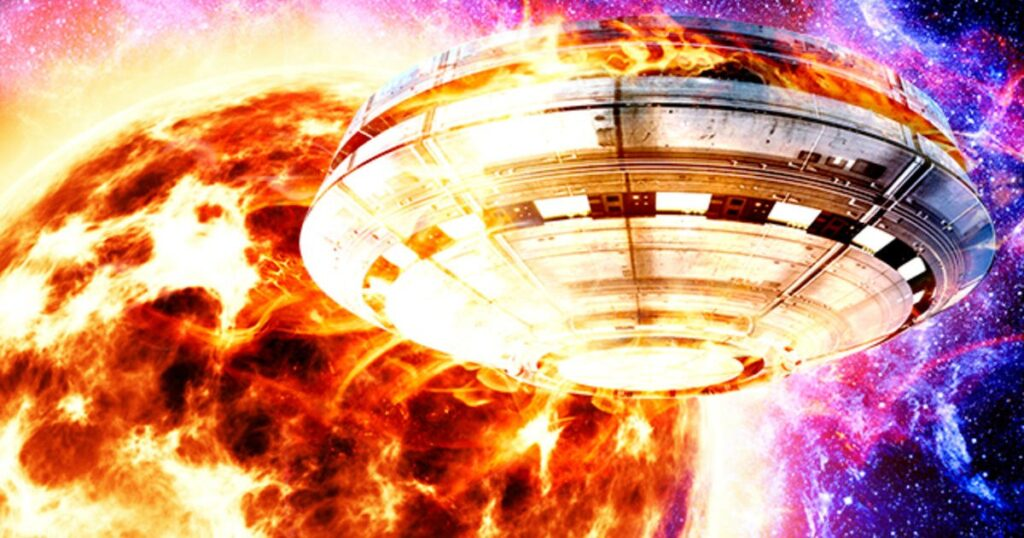 Intergalactic portal: after a cruciform explosion, a Moon-sized UFO flew out of the Sun 1